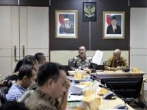 Deputi Bidang Pengawasan Kementerian Koperasi dan UKM Suparno