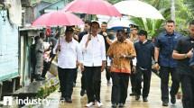 Presiden Jokowi Tinjau Padat Karya Tunai di Kota Sorong