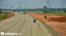 Pengerjaan proyek ruas jalan tol