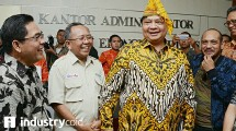 Menteri Perindustrian Airlangga Hartarto saat berkunjung ke KEK Palu
