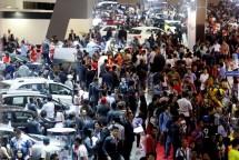 Memasuki hari ke-4 perhelatan IIMS 2018, pengunjung semakin ramai memadati seluruh area JIExpo, Kemayoran