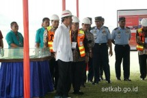 Presiden Jokowi tinjau bandara Soedirman Purbalingga