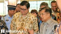 Menteri Perindustrian Airlangga Hartarto dan Wakil Presiden Jusuf Kalla