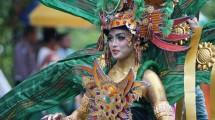 Sultra Tenun Carnaval 2018 Meriahkan Even Halo Sultra, di Kendari, Sulwesi Tenggara (Foto: Dok. Kementerian Pariwisata)