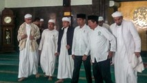 Presiden Jokowi dan Alim Ulama (Foto Kaskus)