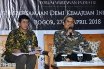 Dirjen IKTA Kemenperin, Achmad Sigit Dwiwahjono bersama Direktur Industri Kimia Hilir Kemenperin Taufiek Bawazier