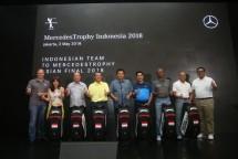 Tujuh pemain golf yang mewakili Indonesia di turnamen MercedesTrophy oleh Mercedez-Benz