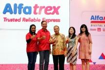 Peluncuran Alfatrex oleh Alfamart pada Senin (7/5) di The Pallas, Jakarta. (Rizki Meirino/Industry.co.id)