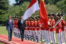 Presiden RI Joko Widodo bersama Perdana Menteri Tiongkok Li Keqiang di Istana Presiden Bogor
