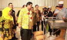 Menteri Perindustrian Airlangga Hartarto pada acara Pelepasan Ekspor Gula Semut di Purworejo, Jawa Tengah