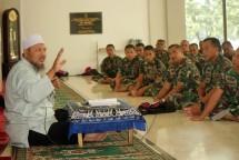 Prajurit Denmako Pasmar-2 Gelar Tausiyah (Foto Dok Industry.co.id)