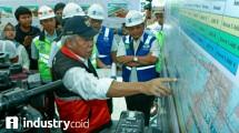 Menteri PUPR saat meninjau kesiapan infrastruktur jalan tol