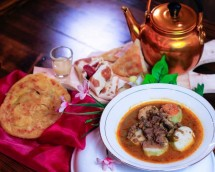Kuliner di Djoyoboyo Food Terminal Surabaya (Foto: www.facebook.com/kemenpar)