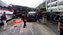 Kecelakaan mobil di jalan raya (Foto Dok Industry.co.id)
