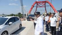 Menhub Budi Karya Sumadi usai melakukan tinjauan udara ke Jembatan Kalikutho, Jawa Tengah, Senin (18/6). (Dok: Kemenhub)