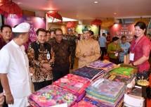 Ribuan UMKM memadati acara sosialisasi PPh Final UMKM 0,5% yang dilakukan Presiden Jokowi di Sanur, Bali, Sabtu (23/6). (Dok: Kemenkop)