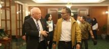 Menteri Ketenagakerjaan M. Hanif Dhakiri bersama Dubes Australia untuk Indonesia Gary Quinlan (Foto: Dok. Kemnaker RI)