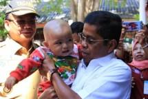 Mensos Idrus Marman dan Dirjen irjen Perlindungan dan Jaminan Sosial, Harry Hikmat (Foto Industry.co.id)