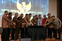 Delapan Menteri Kabinet Kerja Jokowi resmi meluncurkan Layanan Perizinan OSS