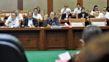 Menteri Koperasi dan UKM AAGN Puspayoga saat Rapat Kerja dengan Komisi VI DPR di Gedung DPR Senayan Jakarta, Senin, (9/7/2018)