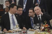 Eksekutif nuklir Rusia dan Tiongkok telah menandatangani paket kontrak terbesar dalam sejarah kerja sama nuklir antar kedua negara saat Shanghai Cooperation Organization Summit.