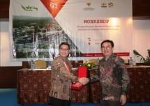 Wakil Ketua Umum Kadin Bidang Pengembangan Kawasan Ekonomi, Sanny Iskandar bersama Sekretaris Denas KEK Enoh Suharto Pranoto (Foto: Dok. Kadin)