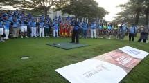 Menteri Pariwisata Arief Yahya melakukan shotgun bola asap menandai dibukanya Wonderful Indonesia Golf Tournament (WIGT) 2018, di Royale Jakarta Golf Club.