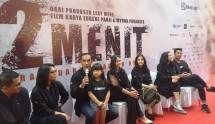 Para Pemain film 22 Menit, diantaranya Ario Bayu, memberikan keterangan tentang film yang akan beredar. (foto: Amazon)