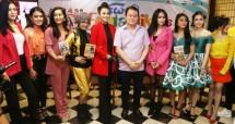 Artis-artis Nagaswara bersama Rahayu Kertawiguna dan Pakar Aerobik, Berty Tilarso. (