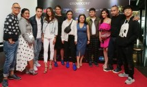 Dhea Ananda (tengah, sepatu biru) bersama para pemakai sepatu IMAC