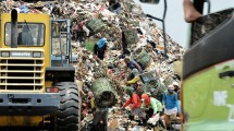 Tempat pembuangan akhir sampah Bantar Gebang, Bekasi. (Bay Ismoyo/AFP)