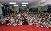 Lotte Choco Pie mengunjungi Sekolah Dasar Kasih Kemuliaan