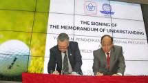 Penandatanganan kerjasama President Foundation dan Hills Golf Academy