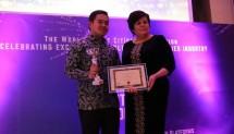 Qlue, perusahaan teknologi penyedia layanan solusi kota cerdas asal Indonesia berhasil menjuarai ajang perlombaan Kota Cerdas Dunia yang digelar The Worlds Smart Cities Organizations (WSCO) di London awal Oktober 2018.