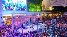 Pentas band di mall. (Foto: IST)