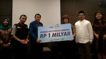 Aice, BPOM, ACT dan IDF MUI serahkan Donasi Rp 1 Miliar untuk korban Gempa Lombok