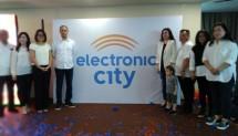 PT Electronic City Indonesia Tbk hari ini, Kamis (14/11/2018) resmi meluncurkan logo barunya. Acara yang dilangsungkan di Four Point by Sheraton ini sekaligus menjadi ajang silaturahmi bersama rekan media dan influencer.