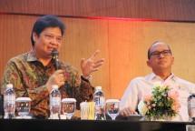 Menteri Perindustrian Airlangga Hartarto bersama Ketua Umum Kadin Indonesia Rosan P. Roeslani (Foto: Kemenperin)