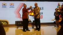Ketua Umum Kadin Indonesia Rosan P. Roeslani bersama Menko Perekonomian Darmin Nasution saat membuka Rapimnas Kadin (Foto: Kadin Indonesia)