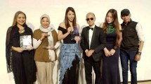 Sayee menerima penghargaan Professor Jimmy Choo Award dalam kategori Next Fashion Designer 2018 yang diberikan secara langsung kepada Seira Meutia, Sayee Brand Director pada malam puncak Malaysia Fashion Week 2018 di Publika, Kuala Lumpur.