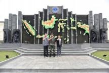 Gayatri Foundation Kunjungi Pudiklat Bela Negara (Foto Dok Industri.co.id)