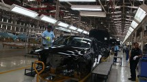 Pembuatan Sedan Mercedes-Benz, Gunung Putri Bogor (Rizki Meirino/INDUSTRY.co.id)