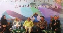 "Natasha Demetra, Cheryl Halpern, Imam Prihadiyoko, Sri Anglung Prabu Punta dan Damien Dematra dalam sesi diskusi ""vision of peace""i"
