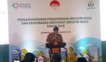 Menteri Perindustrian Airlangga Hartarto saat menyampaikan sambutan dalam acara penghargaan Industri Hijau (Foto: Ridwan/Industry.co.id)