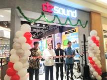 PT Inti Megah Swara buka gerai ke-13 De sound di Pondok Indah Mall 2, Jumat (21/12/2018)