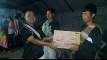 Jababeka serahkan bantuan logistik dan makanan kepada pengungsi korban tsunami di Kampung Cikadu, Tanjung Jaya, Banten