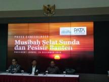 Kiri ke Kanan, Dirut PT Banten West Java Development, Poernomo Siswoprasetijo, Chairman Jababeka Group, S.D.Darmono, dan Komaruddin Hidayat, Pendiri Yayasan Tidar Heritage Foundation saat konferensi pers terkait Musibah Selat Sunda dan Pesisir Banten
