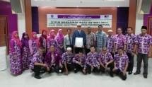 Jajaran manajemen PT Patuna Mekar Jaya, perusahaan penyelenggara perjalanan ibadah haji dan umrah meraih sertifikasi manajemen mutu ISO 9001: 2015