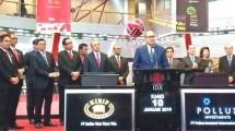 Ketua Umum Kadin Indonesia Rosan P. Roeslani saat ikut serta dalam meresmikan pencatatan umum perdana saham (Listing) PT Estika Tata Tiara Tbk (BEEF) dan PT Pollux Investasi Internasional Tbk (POLI) di Bursa Efek Indonesia (BEI)