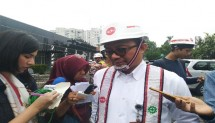 Direktur Operasional PT Adhi Karya Tbk Pundjung Setya Brata di Pabrik Precast LRT Jabodebek di Jakarta, Senin, 14 Januari 2019.